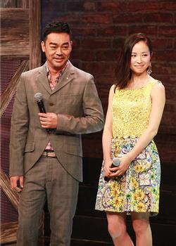 杨幂喝酒壮胆与谢霆锋拍床戏 刘青云自愧不如