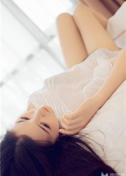 绝美少女白衬衫私房写真