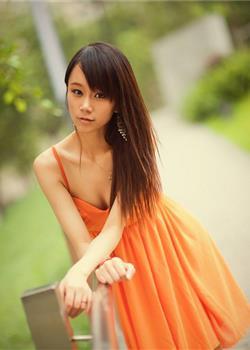 清纯带有性感的美女明星模特