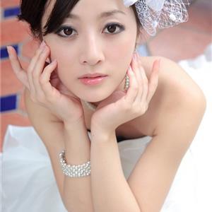 90后靓丽可爱迷人台湾果子个性婚纱写真