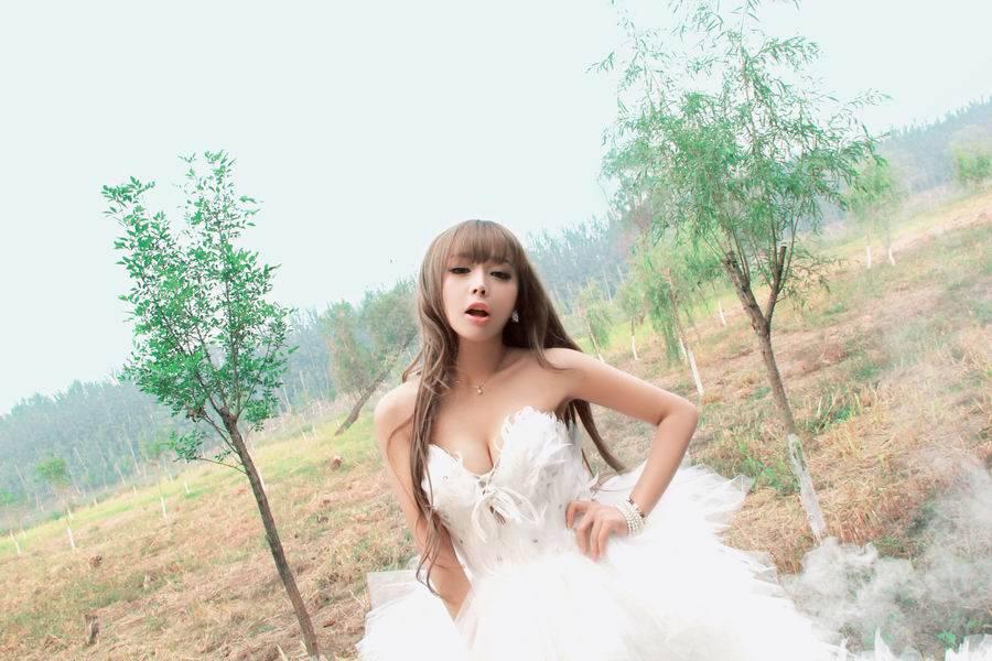 明星美女裴紫绮最新迷人写真