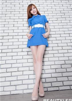 蓝裙妩媚美女Lucy丝袜美腿诱惑
