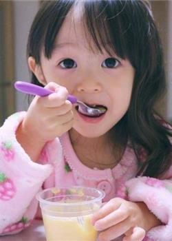 漂亮的可爱小女孩图片