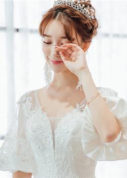 有刘海的新娘唯美发型,非常清新可人